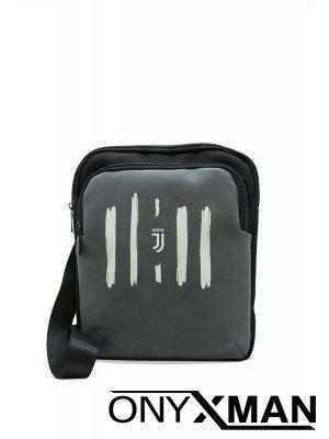 Спортна чанта през рамо в сиво с емблема