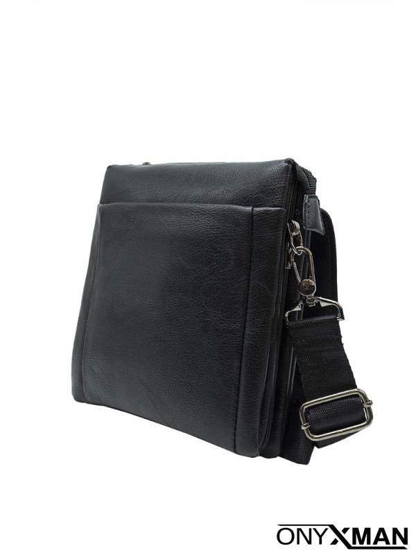 Черна малка чанта с лого