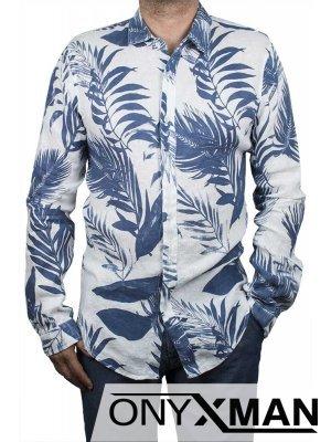 Вталена лятна риза със сини листа