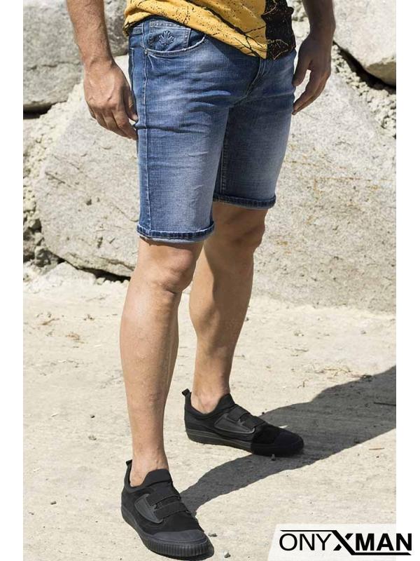 Къси сини дънки с дизайнерски джоб