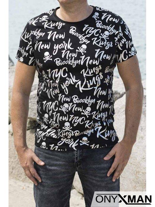 Вталена тениска в черно със сребристи надписи
