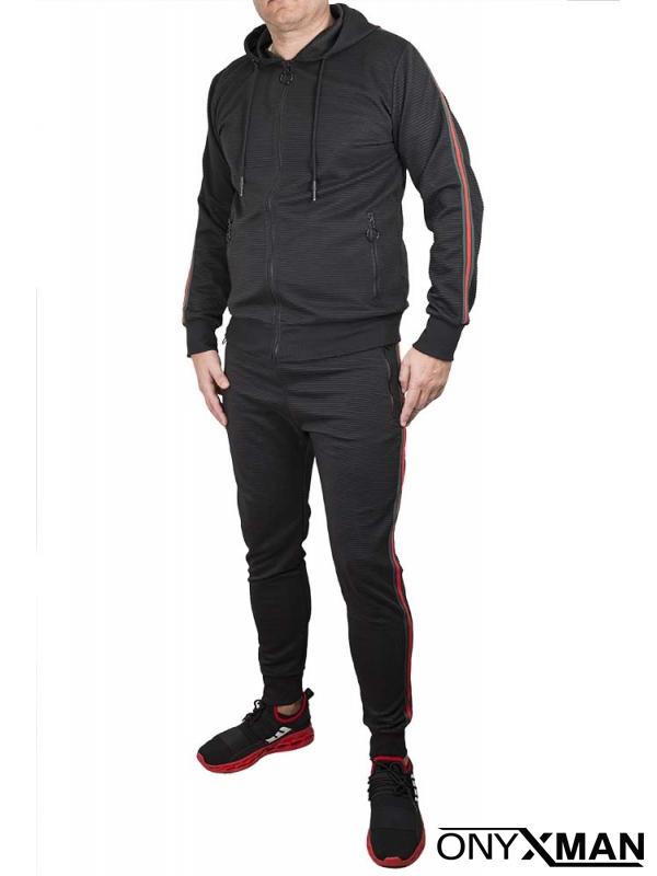 Спортен комплект в черно с цветни ленти