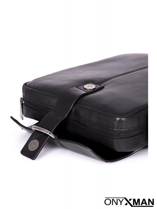 Мъжка чанта с кожена закопчалка
