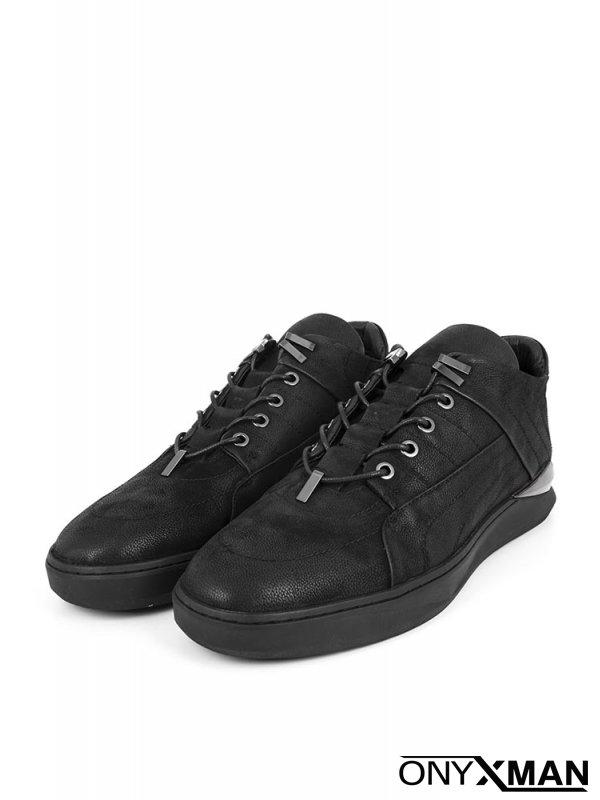 Мъжки обувки с метални елементи
