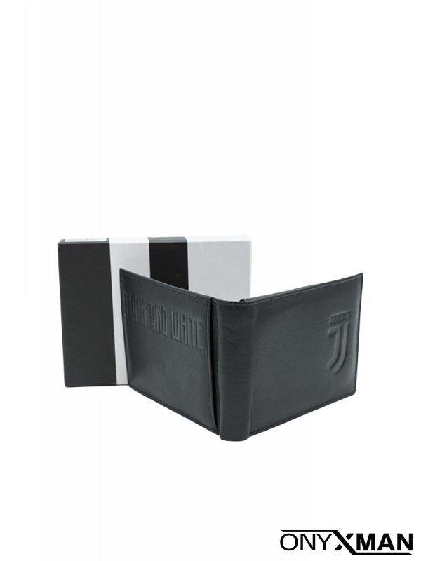 Портфейл в черен цвят и принт емблема