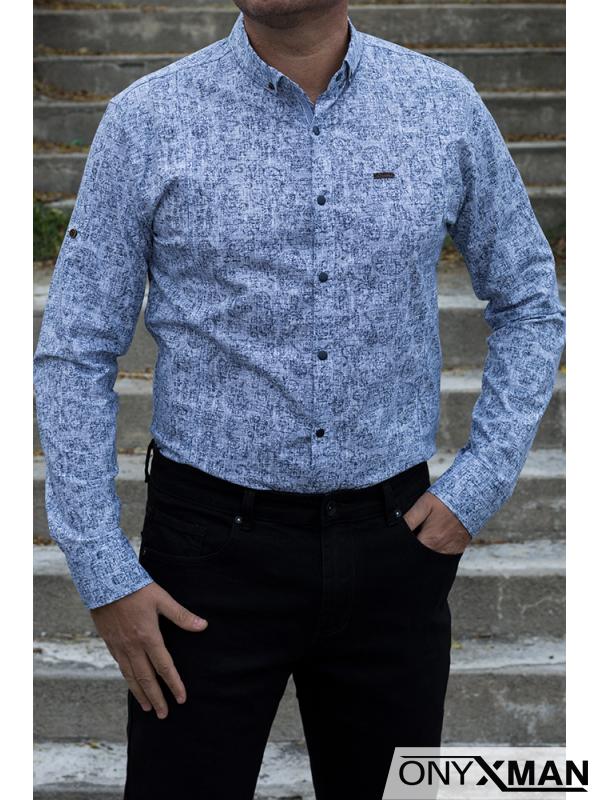 Мъжка бяла риза с тъмно сини флорални орнаменти