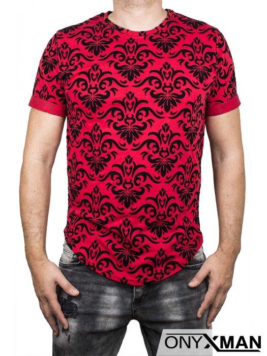 Червена тениска с кадифени орнаменти