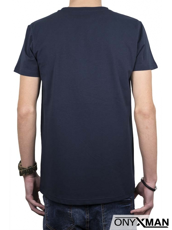 Интересна тениска в синьо