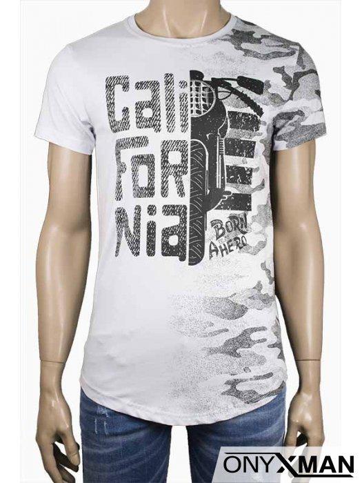 Мъжка тениска в бяло с мотор