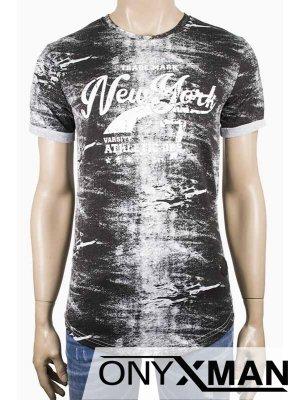 Тениска с емблема в черен цвят