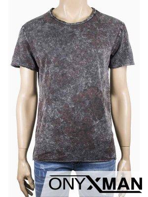 Мъжка сива тениска с флорални мотиви в червено