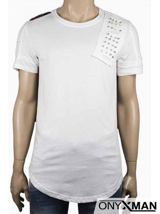 Мъжка бяла тениска с метални капси
