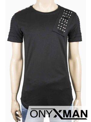 Мъжка черна тениска с метални капси