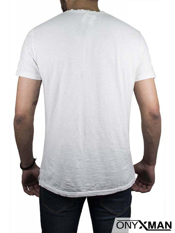 Мъжка ленена тениска в бяло с декоративни копчета