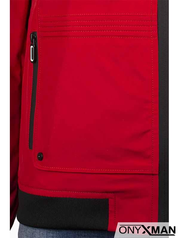 Червено пролетно яке с качулка