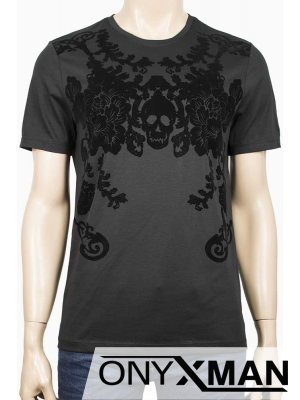 Мъжка тениска в черен цвят с кадифени орнаменти