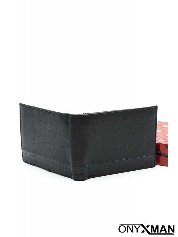 Стилно изчистено портмоне в черен цвят