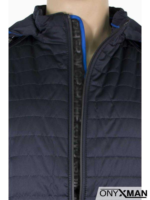 Тъмно синьо есенно яке с качулка