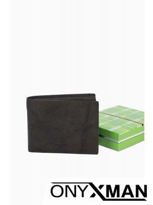 Мъжки портфейл класически дизайн в тъмно кафяво без монетник