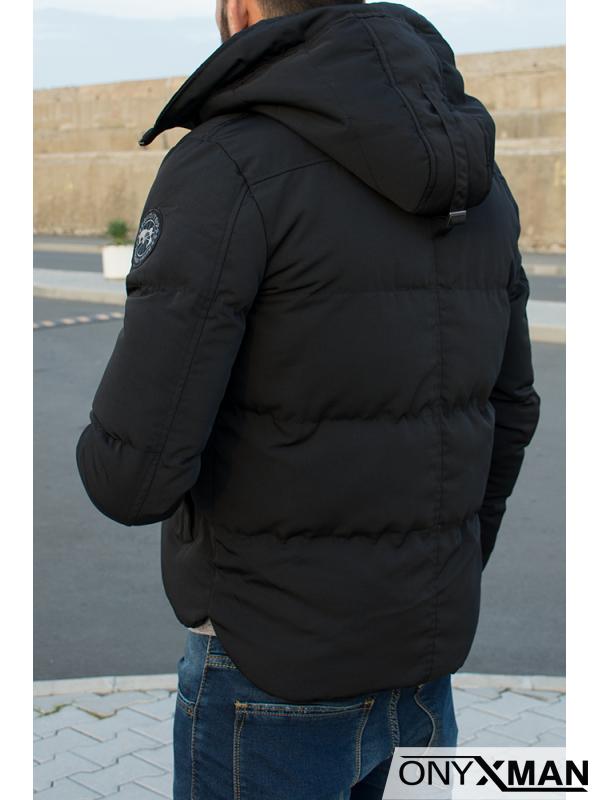 Късо зимно яке с висока яка