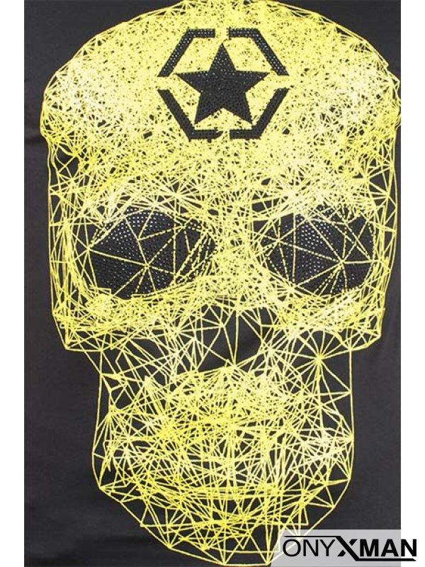 Тениска с жълт череп и камъни