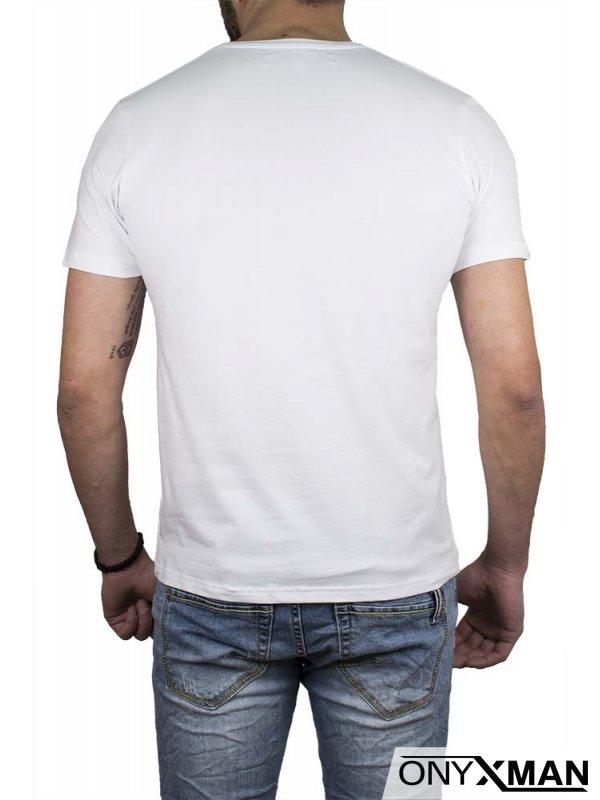 Тениска в бял цвят с орел и лъв