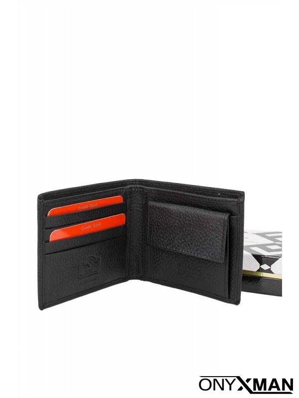 Малък стилен портфейл с релефна кожа