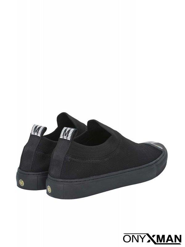 Обувки в черен цвят с плетиво