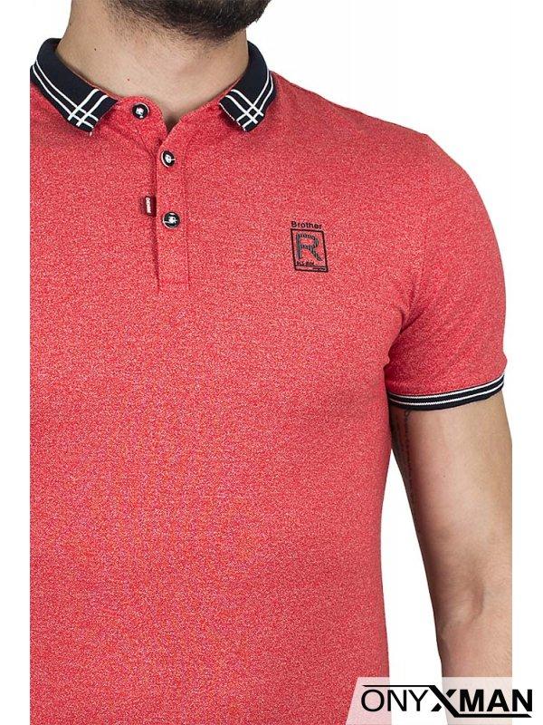 Червена тениска с якичка и буква R