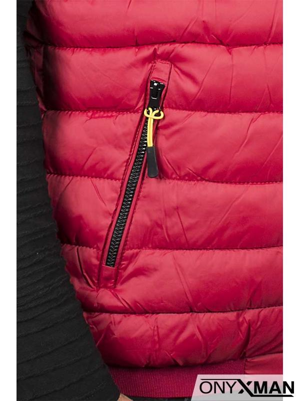 Грейка в червен цвят с качулка