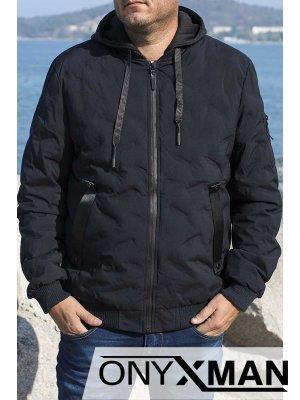 Късо зимно яке в тъмно синьо с релефни шарки