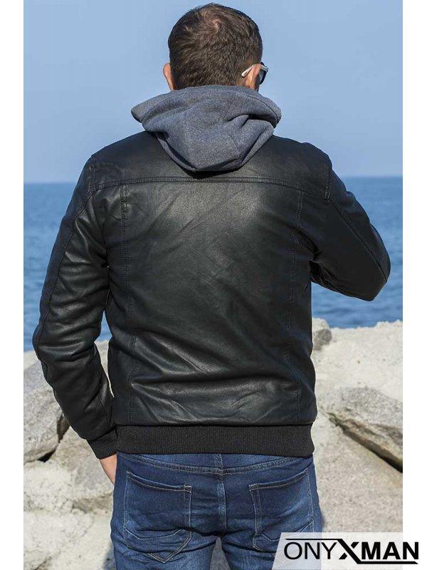 Късо яке от изкуствена кожа с качулка
