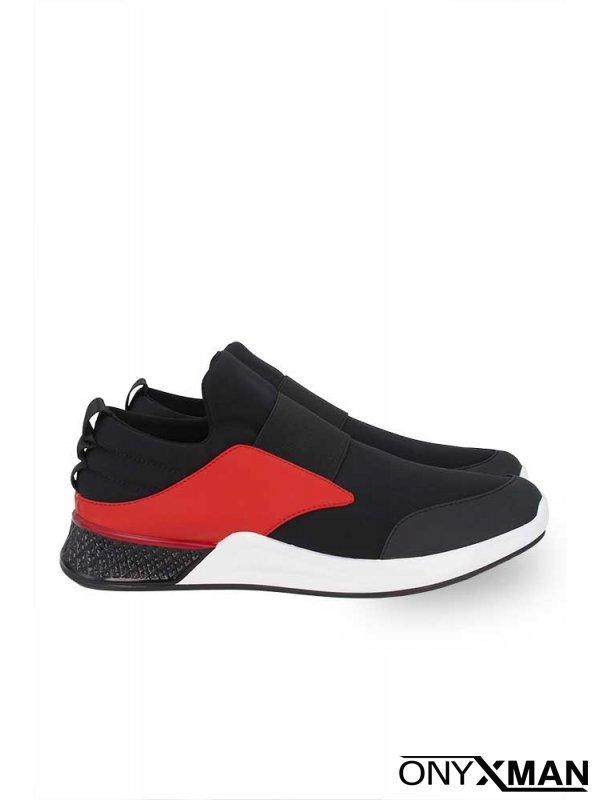 Обувки с червен акцент