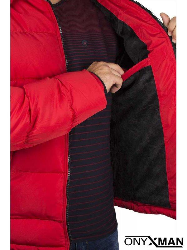 Късо зимно яке в червен цвят