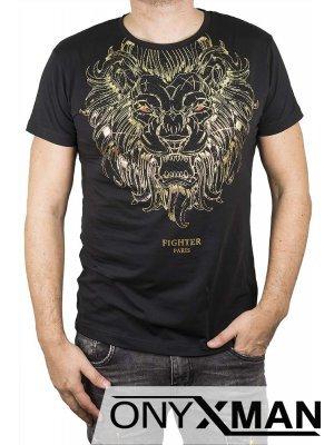 Тениска в черно с лъв