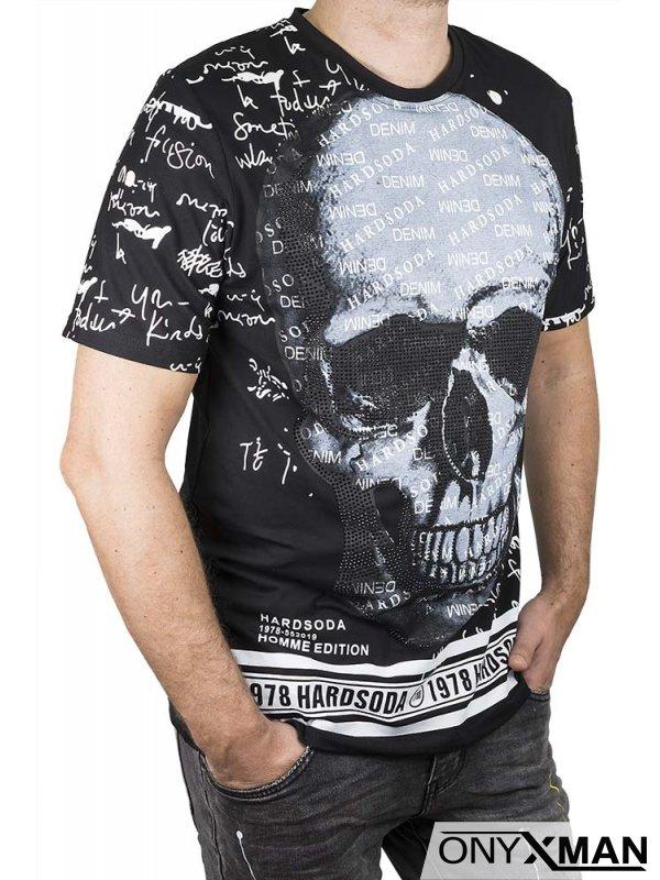 Тениска в черно с череп,камъни и надписи