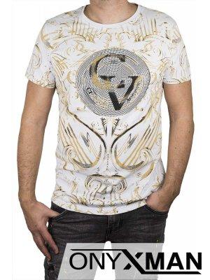 Тениска в бяло с надпис CV
