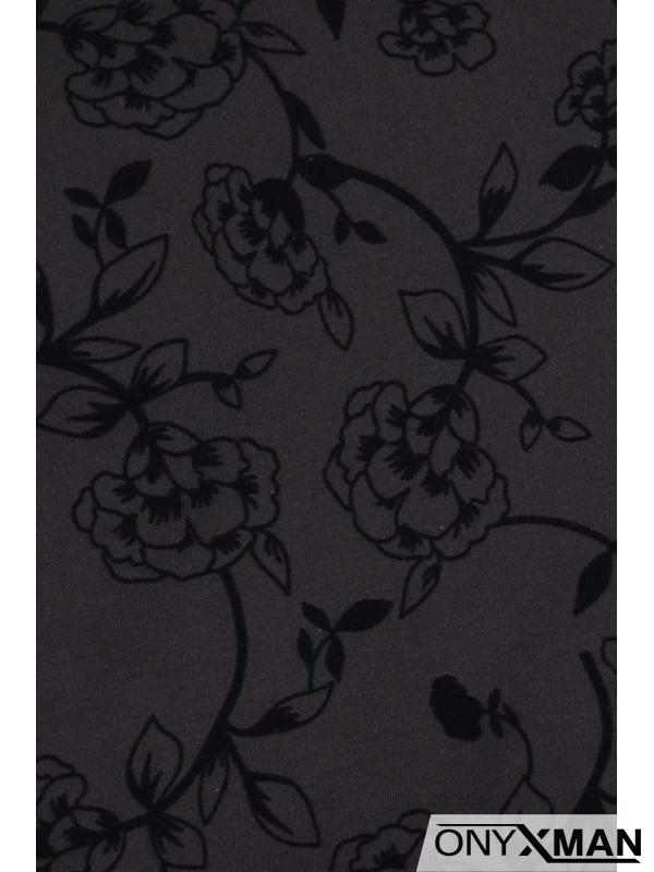 Тениска с кадифени цветя