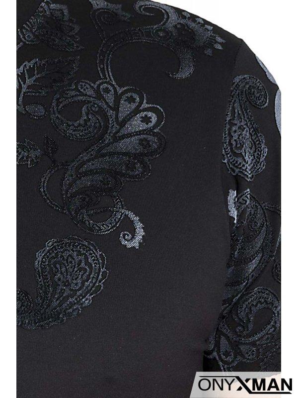 Тениска слимфит в черно с кадифен принт