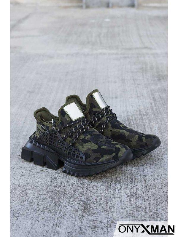 Обувки с камуфлажен десен