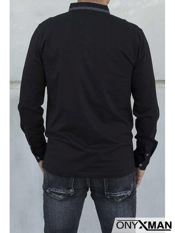 Блуза в черно с яка и дълъг ръкав