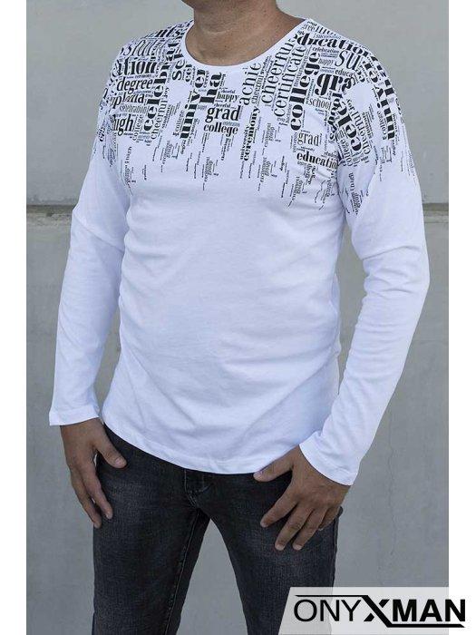 Бяла блуза с черни надписи