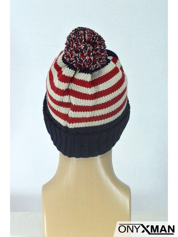 Плетена зимна мъжка шапка