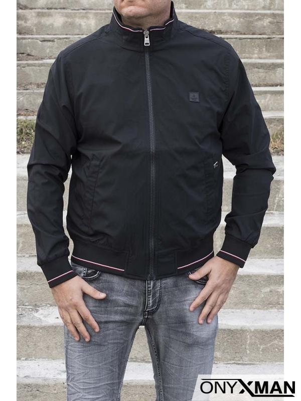 Стилно яке в черен цвят