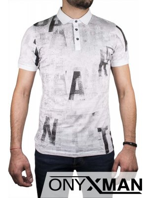 Тениска с яка в бяло и надписи