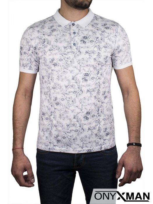 Свежа поло тениска с бяла яка