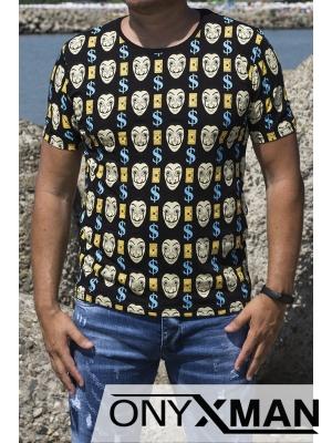 Вталена тениска в черен цвят с цветни лица