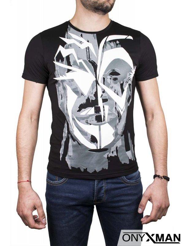 Абстрактна тениска в бяло