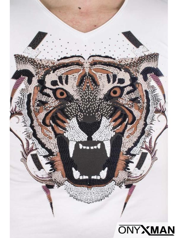 Слим тениска в бял цвят с тигър