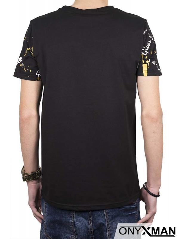 Черна тениска с геометричен принт